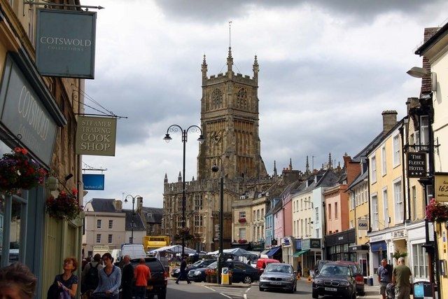 Cirencester town square