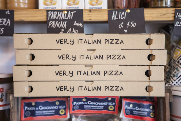 Very Italian Pizza boxes from Pizza VIP